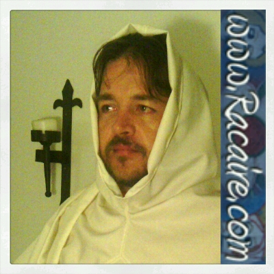 2015-07 - Racaire - 14th century XL hood - hand-sewing - white wool fabric
